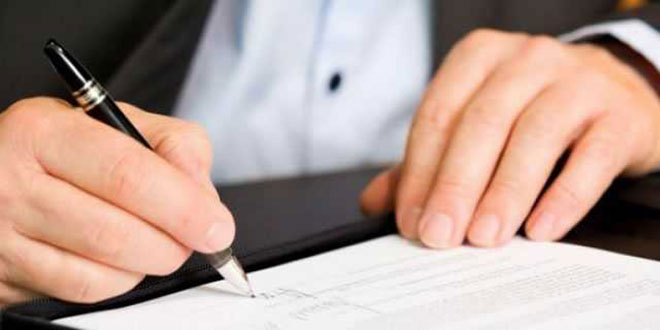 assinando-documento
